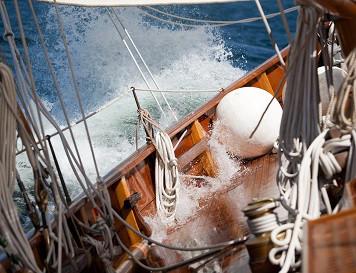 Bootshaftpflicht: Segelboot in Gefahrensituation