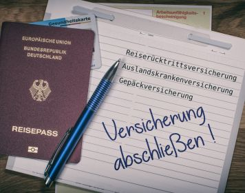 Zettel mit Erinnerung: Auslandskrankenversicherung zeitig abschließen