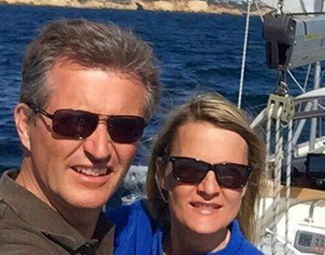 Biggi & Torsten Krumm auf ihrer Segelyacht