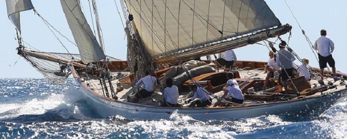 Boots-Insassenunfallversicherung: Crew auf Segelboot