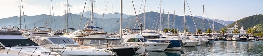 Bootshaftpflicht: Boote im Hafen vor Bergen