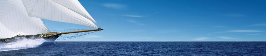 Charter-Kautionsversicherung: Segelschiff auf offener See