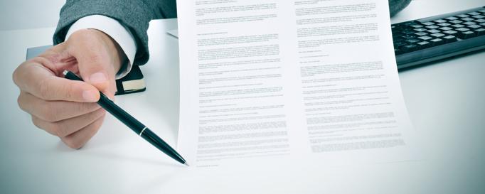 Unterzeichnen der Charter-Rücktrittsversicherung