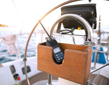 Funkzeugnis-Typen: Funkgerät an Bord