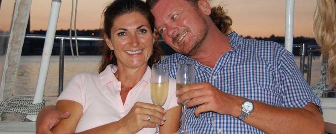 Hannes und Sabine Frühauf stoßen an
