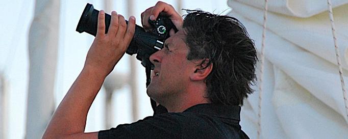 Markus Silbergasser beim Fotografieren an Bord