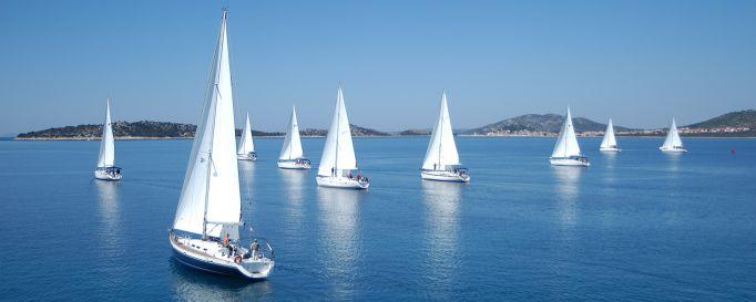 Mitsegeln - Flottille auf dem Wasser
