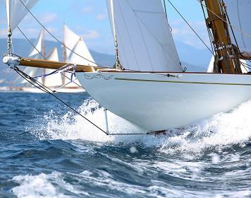 Charterversicherung: Segelboot auf See