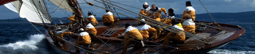 Seeleute in Ölzeug