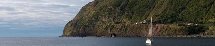 Segeln Azoren: Felsufer