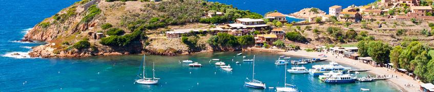 Segeln vor der Küste Korsikas