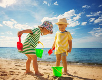 Segeln mit Kindern: Sandburgenbau
