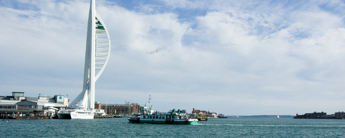 Segeln Solent: Hafenstatue