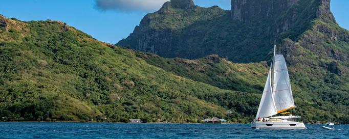 Segeln vor der Insel Tahiti