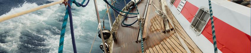Segelstiefel als Schutz vor dem Ausrutschen an Deck