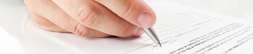 Skipper-Rechtsschutzversicherung wird unterschrieben