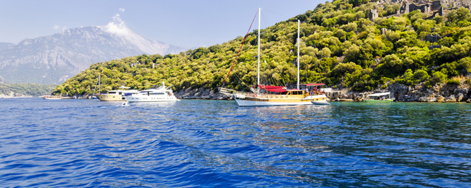 Segeln Türkische Ägäis: Segelboote vor Anker